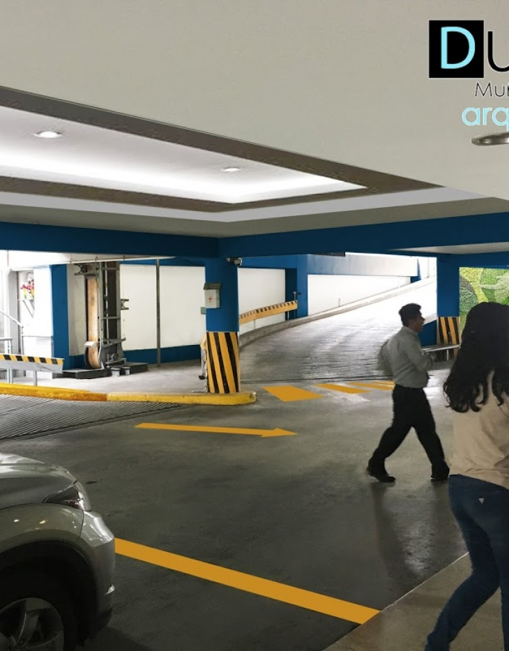 Estacionamiento edificio corporativo